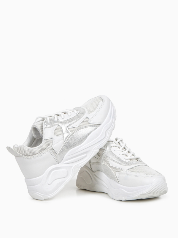SNEAKERS ΜΕ CHUNKY ΣΟΛΑ